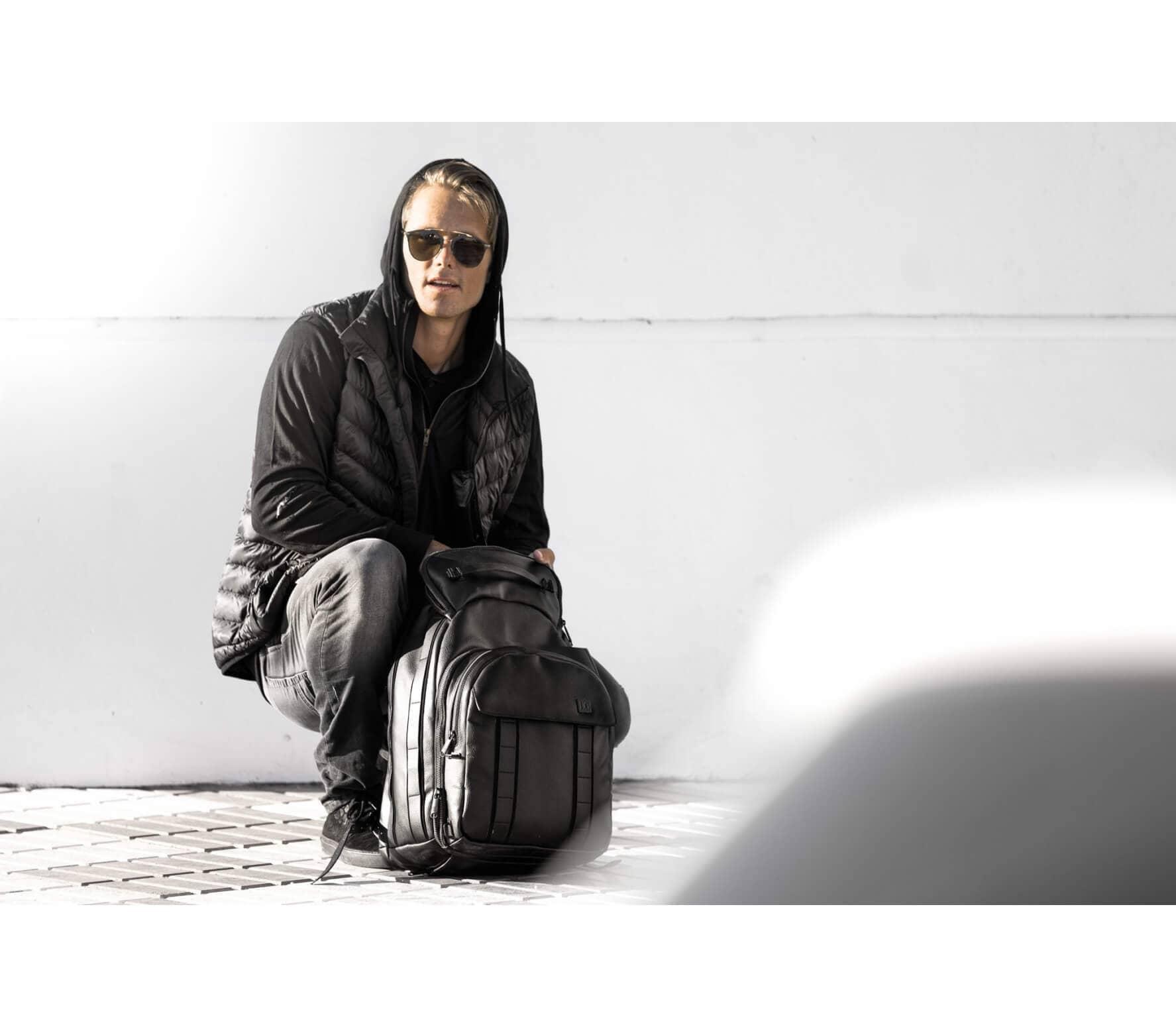 Douchebags - The Ace dagligt ryggsäck (svart) handla online på ... 35e1c42e2e031