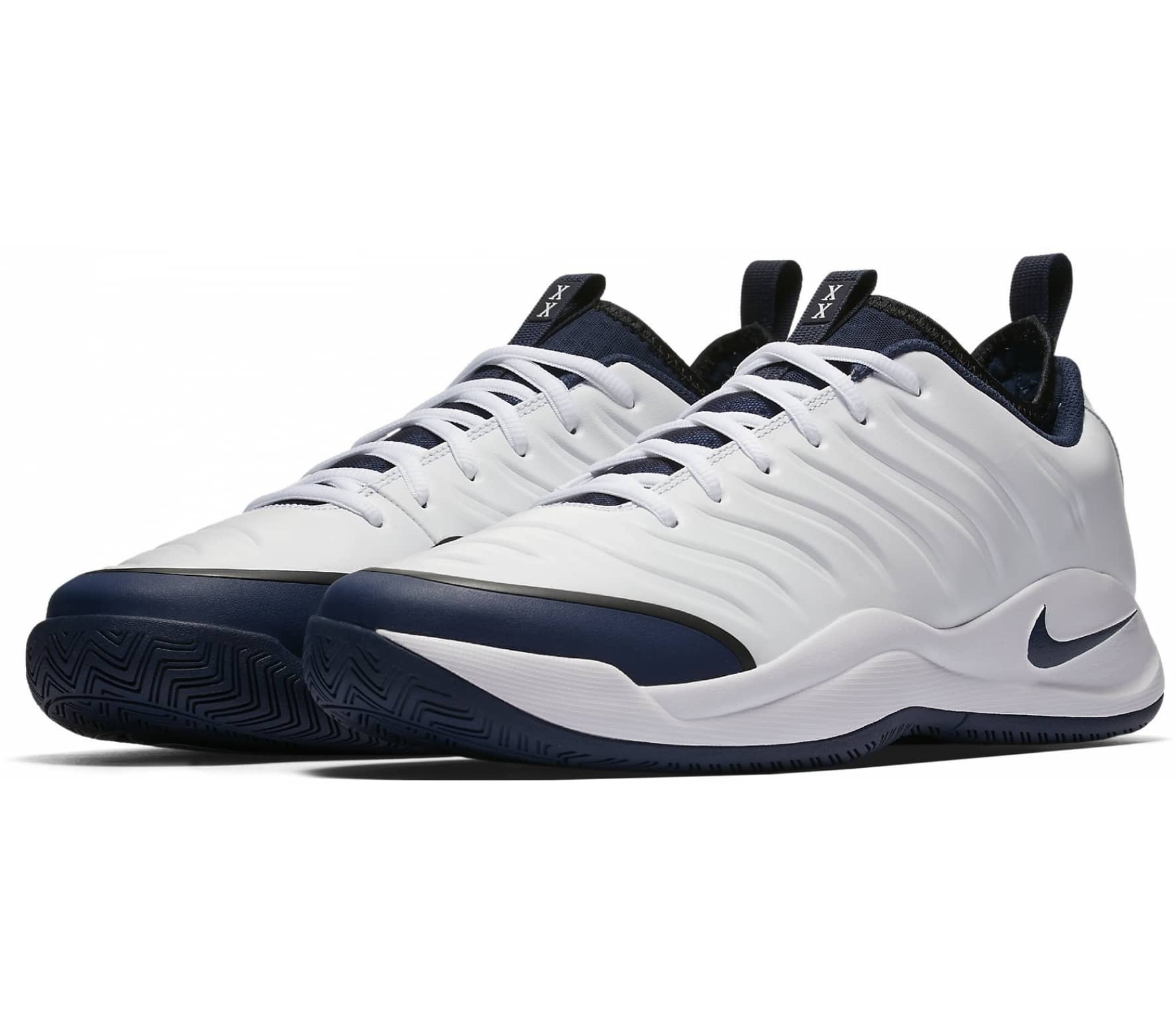 Nike Oscillate Tennis Shoes