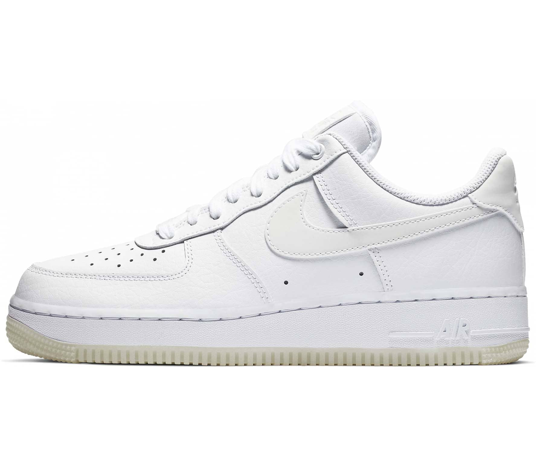 5e5f5e37c76e6f Nike Sportswear Air Force 1  07 Essential Damen Sneaker (weiß ...