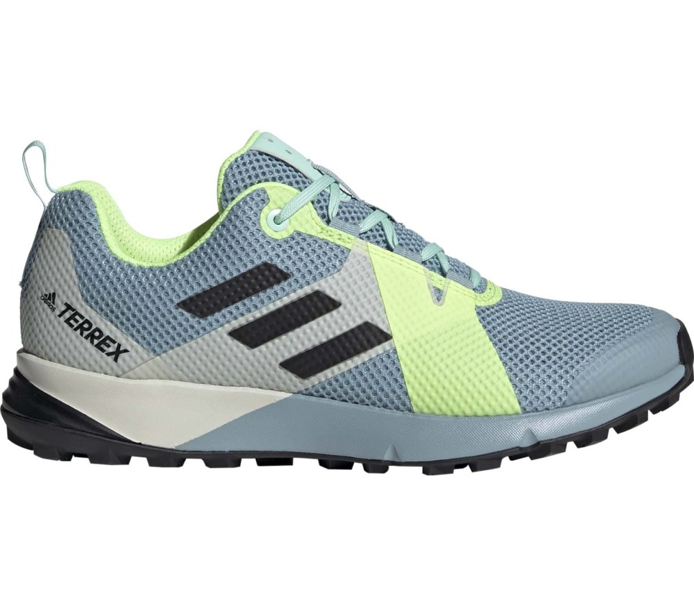 16afe4232142 adidas - Two women s trail running shoes (green) Køb online hos ...