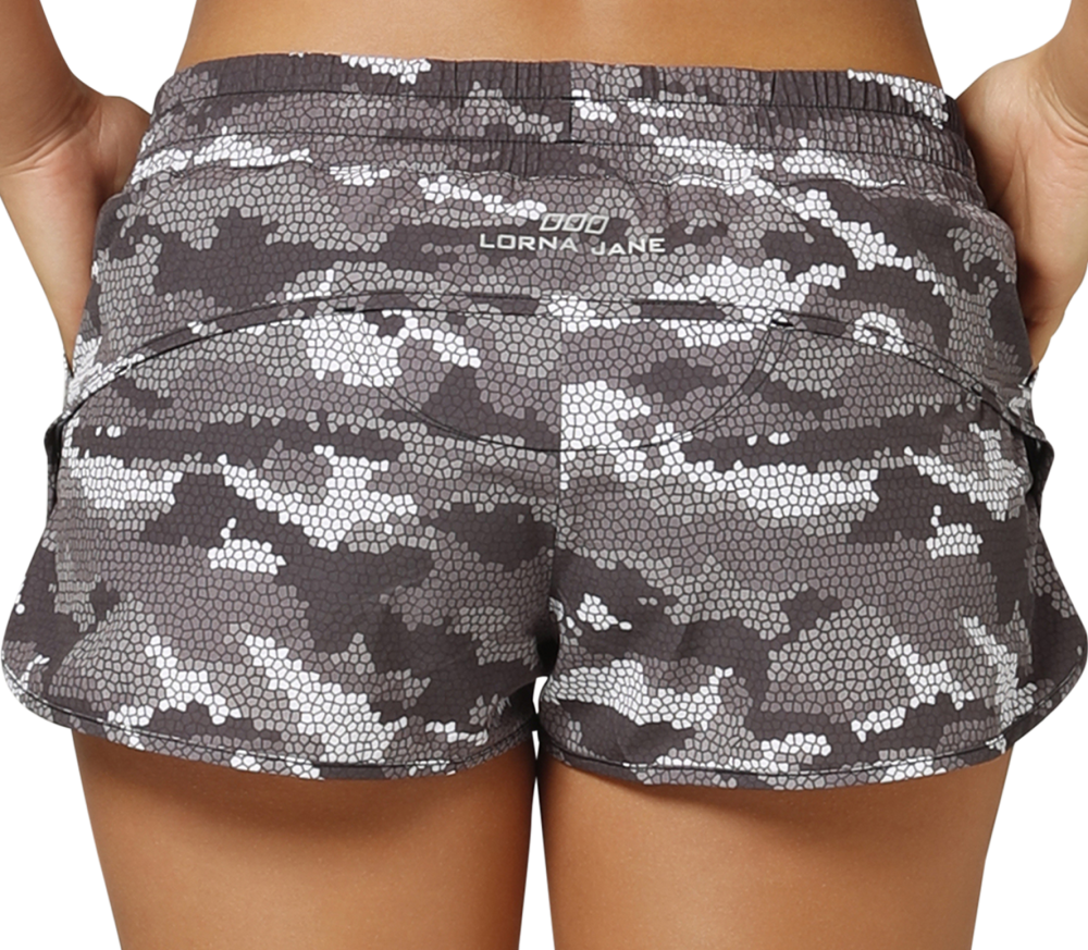 Lorna Jane - Command Run women's training shorts (grey)