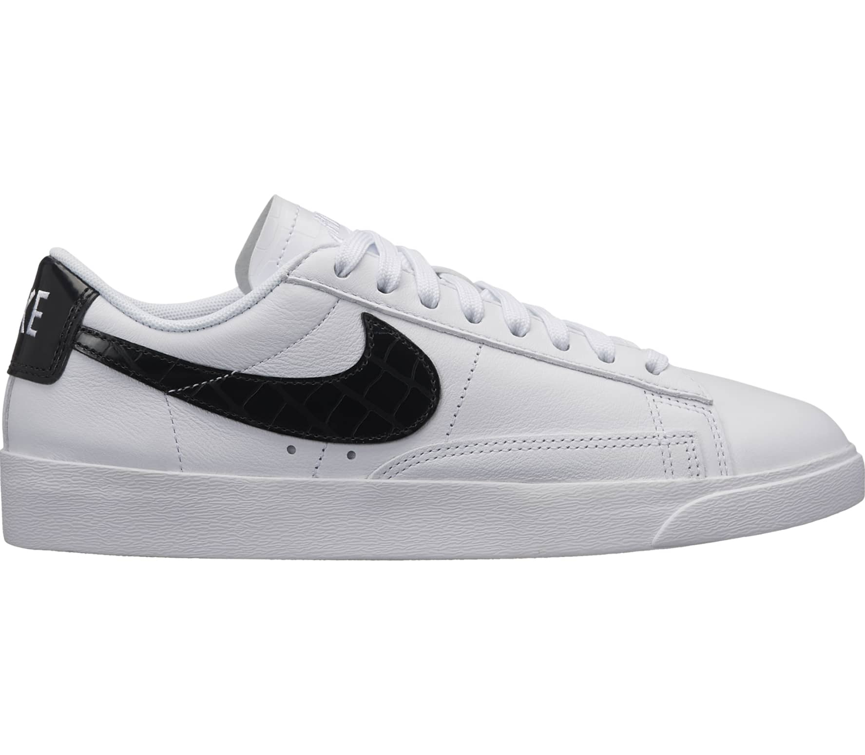 nike blazer low essential damen sneaker wei schwarz. Black Bedroom Furniture Sets. Home Design Ideas