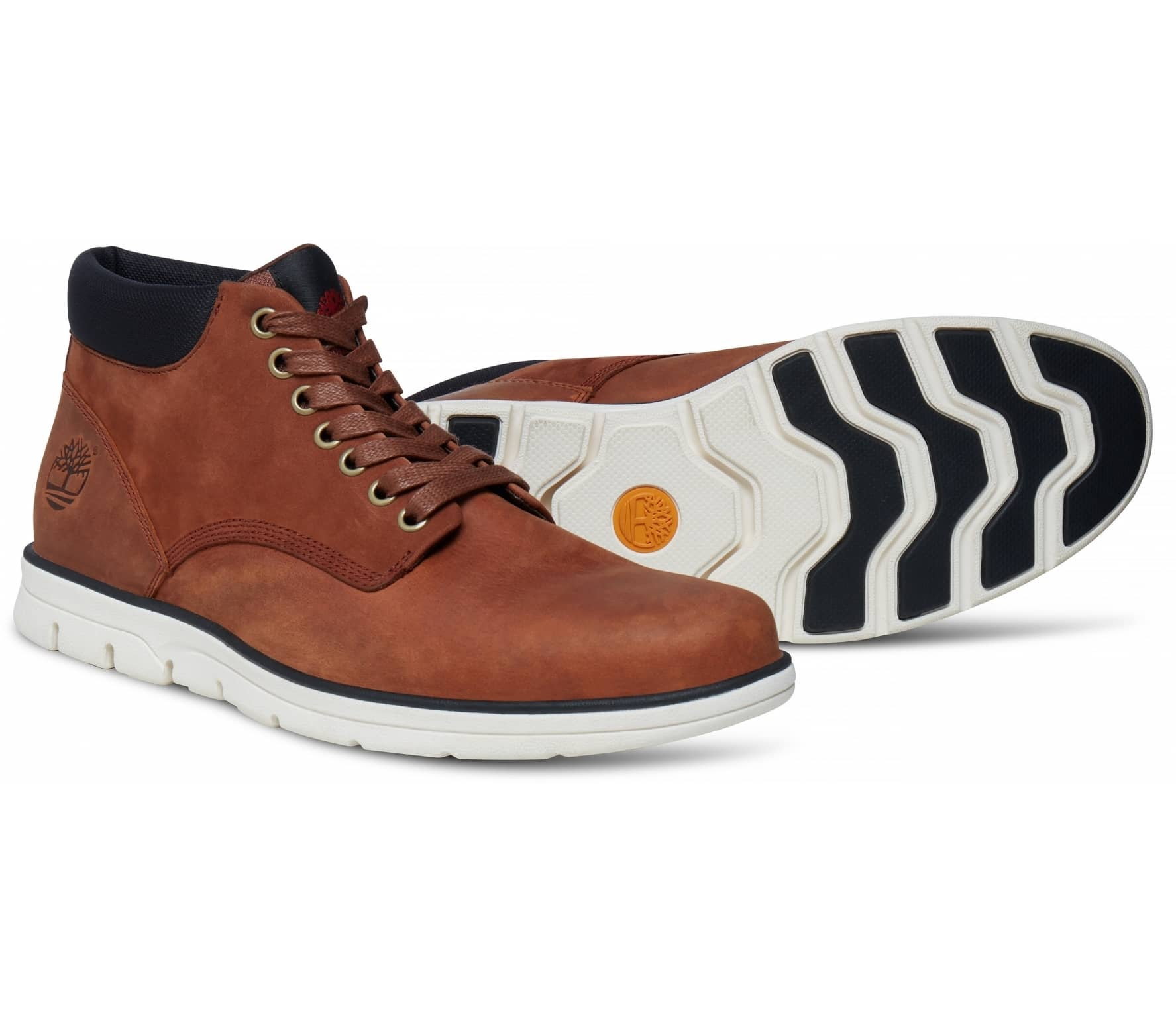 Timberland - Bradstreet Chukka Leather men s mountain lifestyle shoes  (light brown black) 16ee1481a52